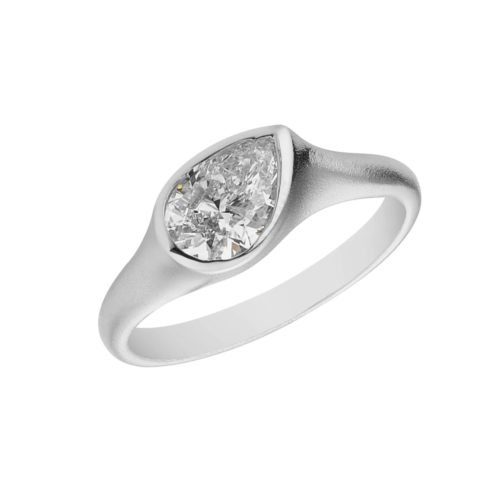 White old Pearshape diamond tube ring